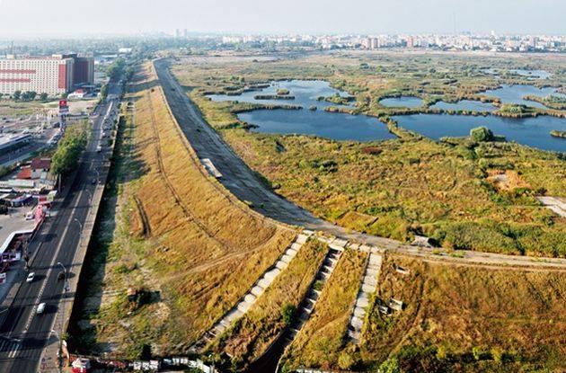 Day Tour – Bucharest's forgotten river – Dambovita Walking Tour